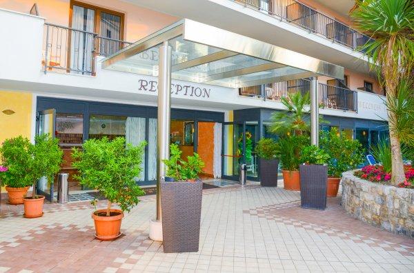 Hotel Garda Bellevue **** a Limone/Lago di Garda